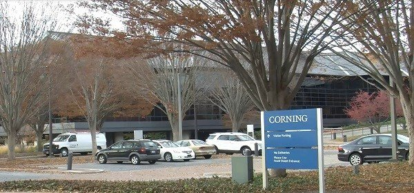 Corning Inc. pens $1.05 billion deal with Verizon Caption