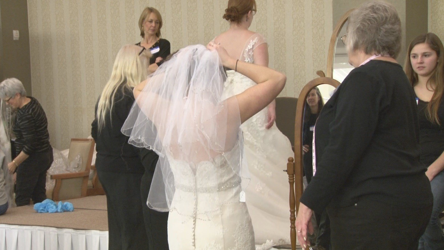 WENY News - Blow-out bridal sale benefits local humane society