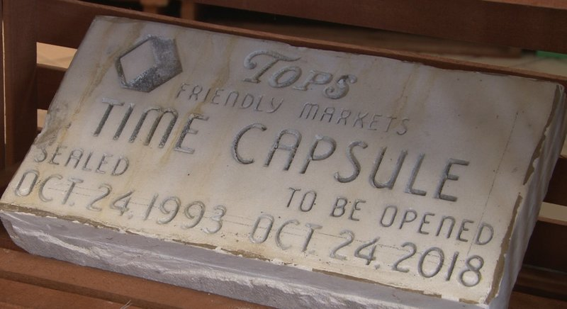 Weny News Big Flats Tops Opens Time Capsule After 25 Years